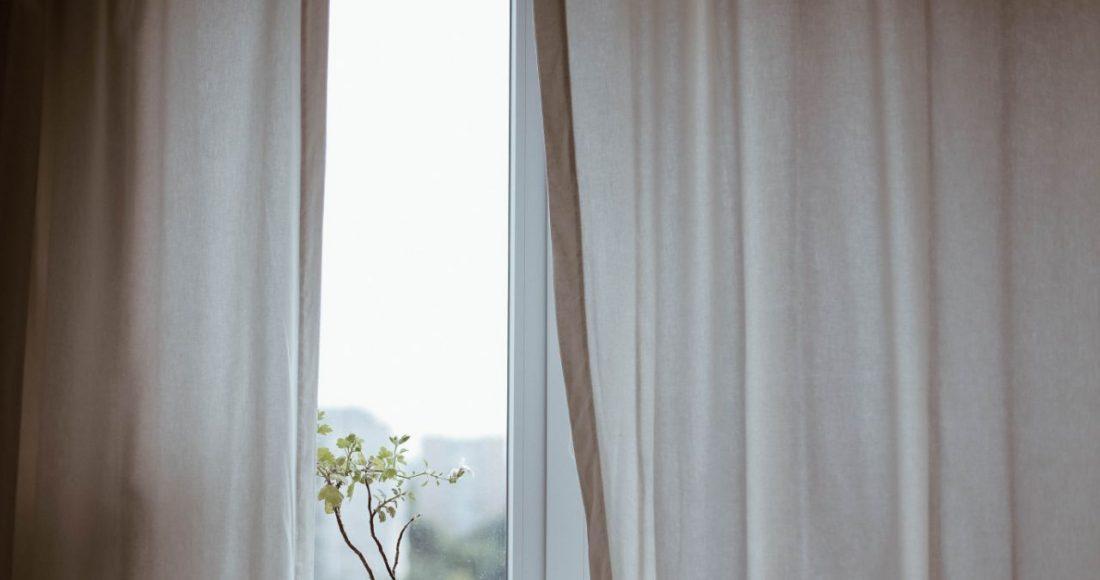 Handige tips voor het ophangen van gordijnen - Woonhint