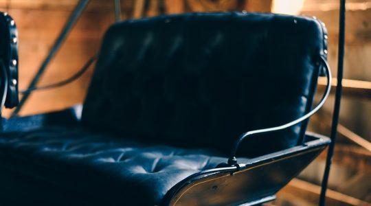 Tips en inspiratie voor meer zwart in de woonkamer